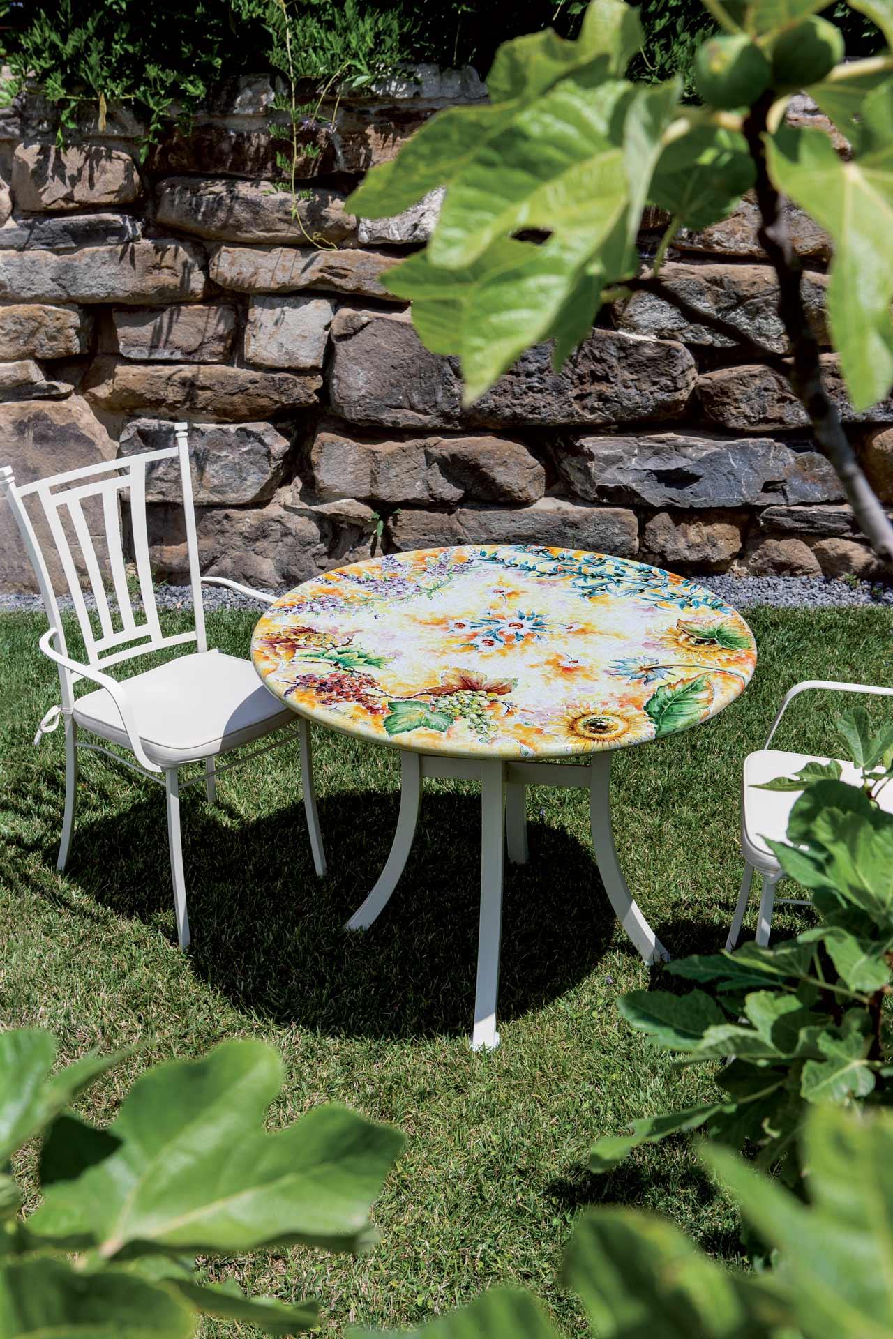 Tavoli Da Giardino In Pietra Lavica.Lux 617 Tavoli Da Interno Ed Esterno Domiziani Pietra
